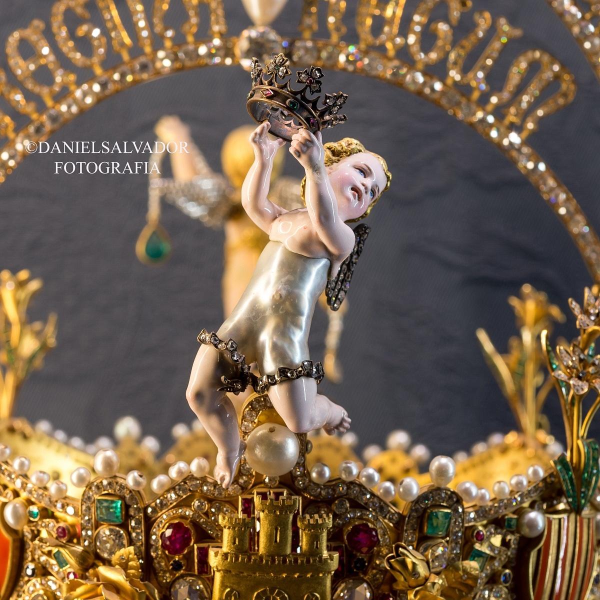 corona-de-la-virgen-de-los-reyes-2-1200x1200